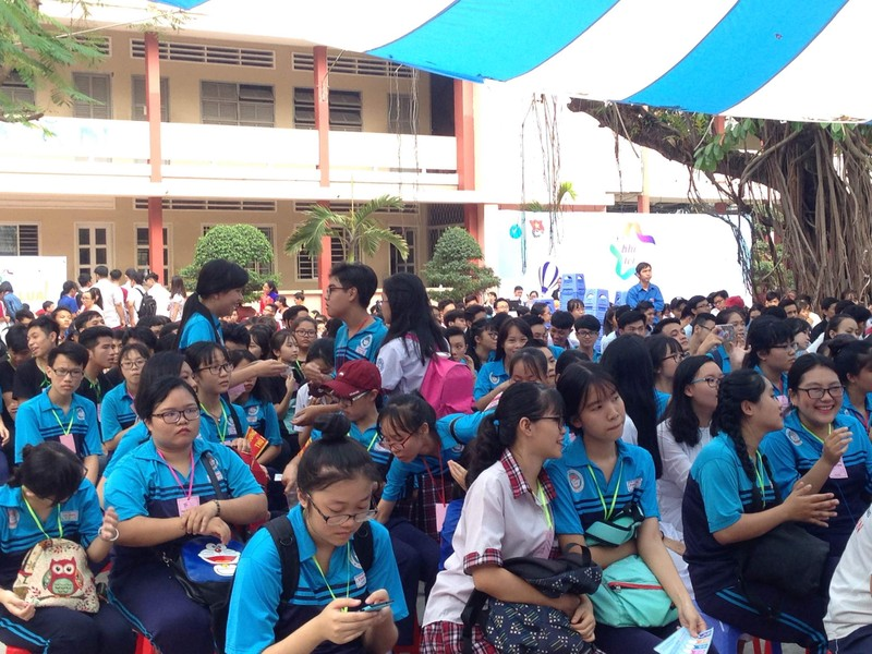 Học sinh nô nức tham dự 'Ngày hội khi tôi 18' - ảnh 2