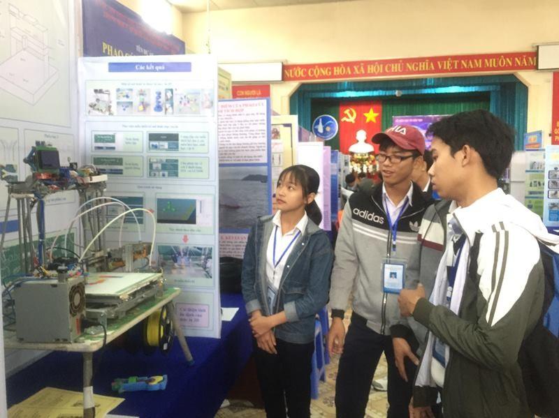 882 học sinh hào hứng dự thi khoa học kỹ thuật quốc gia - ảnh 1