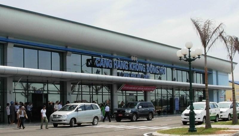 Chơi cầu lông, sân bay Đồng Hới bị phạt 35 triệu đồng  - ảnh 1
