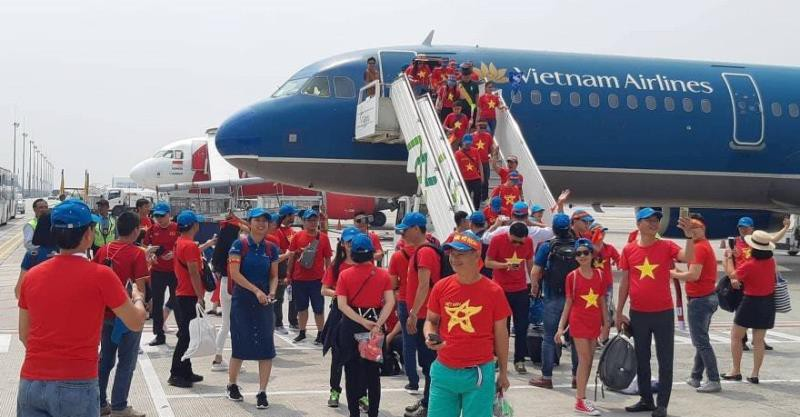 Bố trí hai máy bay thẳng đến Philippines tiếp lửa đội tuyển  - ảnh 1