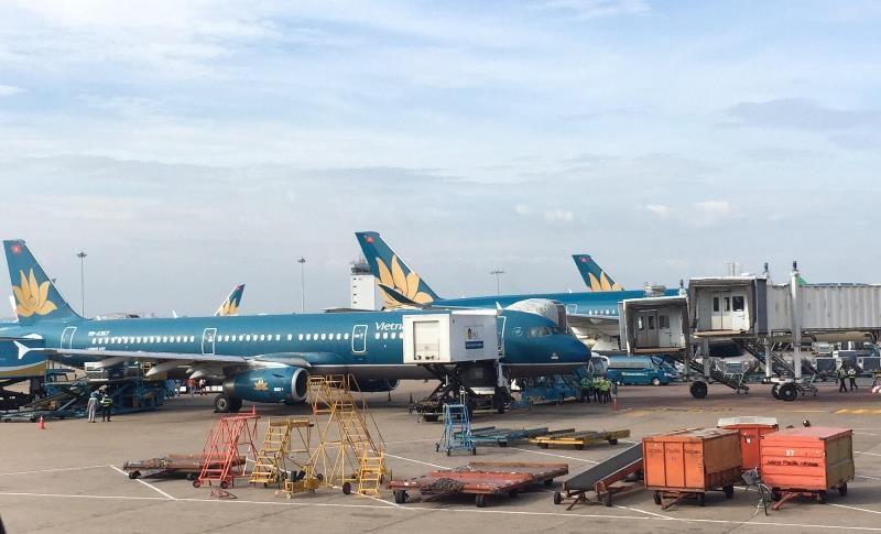 Sân bay Vân Đồn 'cháy' vé ngày đầu mở cửa đón khách - ảnh 1