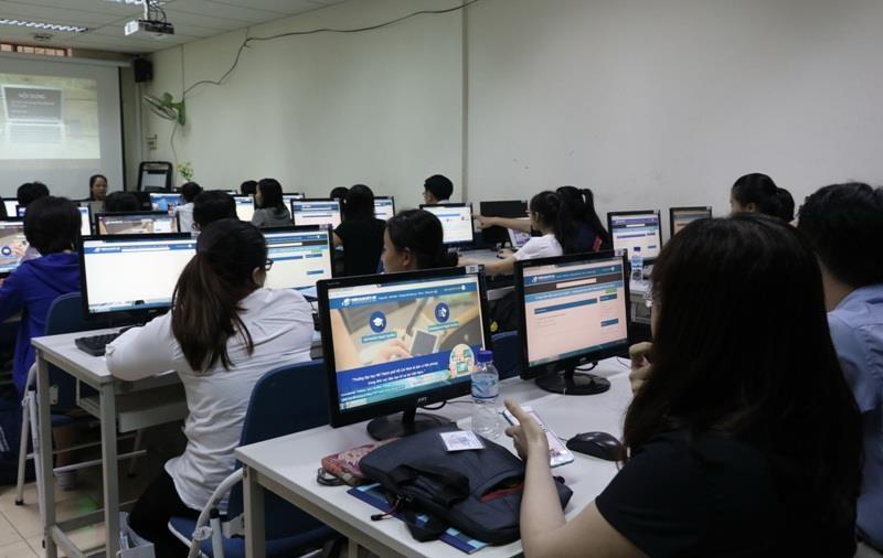 Giáo dục trực tuyến đang 'hot' tại Việt Nam - ảnh 1