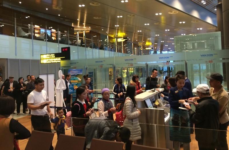 Chưa cho hàng không ngoại đến sân bay Vân Đồn chuyển tiếp - ảnh 1