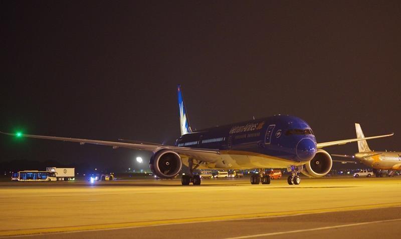 Siêu máy bay Boeing 787-10 Dreamliner đã về Việt Nam - ảnh 1