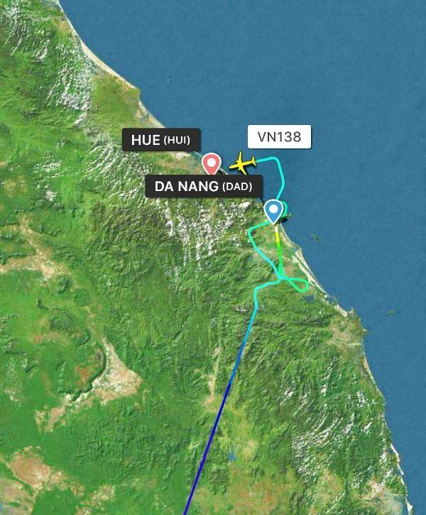 Vietnam Airlines lên tiếng máy bay hạ cánh hai lần ở Đà Nẵng - ảnh 1
