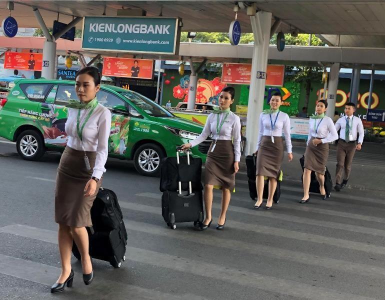Sân bay Tân Sơn Nhất đạt kỷ lục gần 1.000 chuyến bay/ngày - ảnh 4