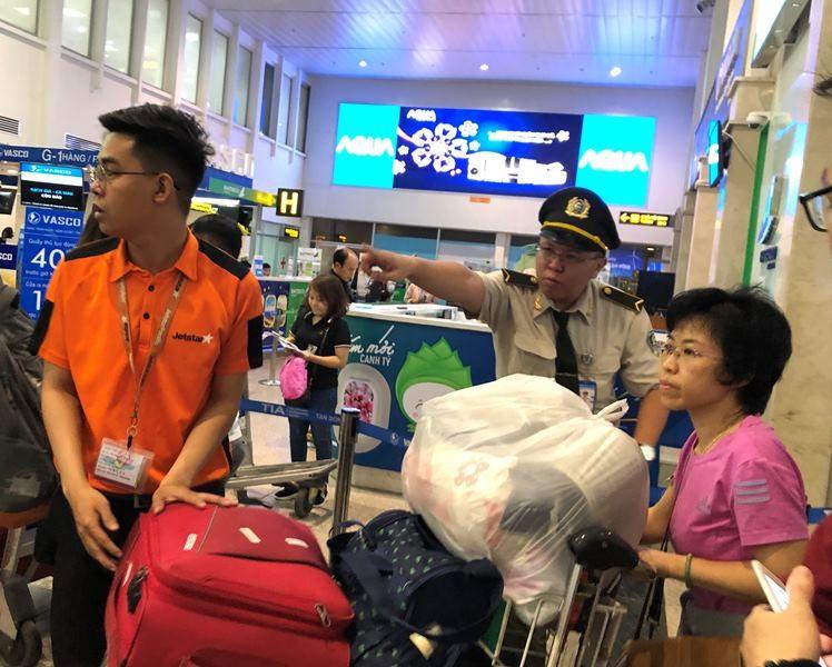 Sân bay Tân Sơn Nhất đạt kỷ lục gần 1.000 chuyến bay/ngày - ảnh 3