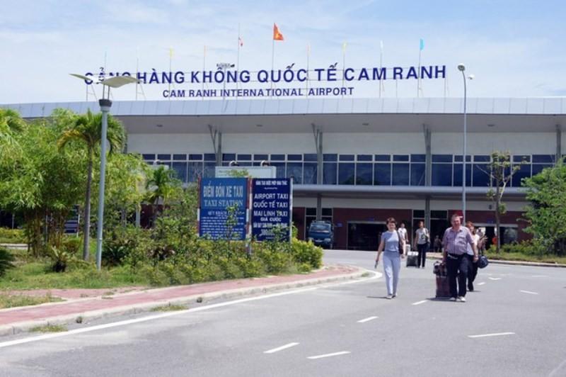 Thực hư tin máy bay Nga hạ cánh ở Cam Ranh nhận tin báo có bom - ảnh 1