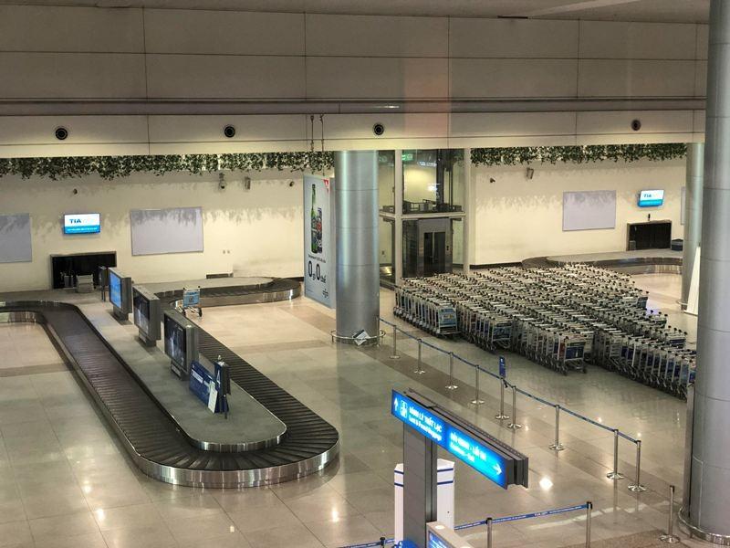 Cận cảnh sân bay phục vụ 38 triệu khách đìu hiu thời COVID-19 - ảnh 9