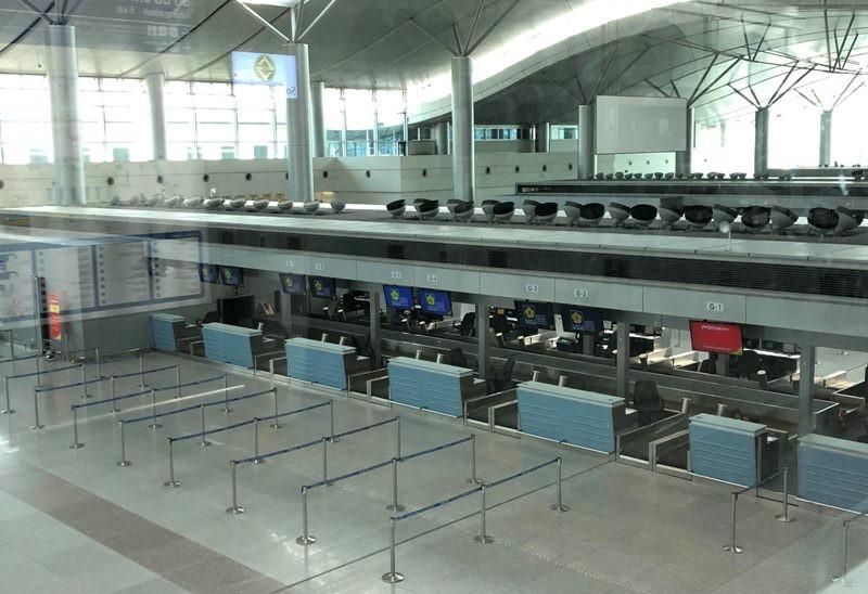 Cận cảnh sân bay phục vụ 38 triệu khách đìu hiu thời COVID-19 - ảnh 10