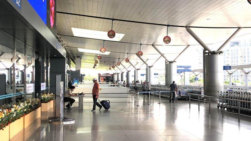 Cận cảnh sân bay phục vụ 38 triệu khách đìu hiu thời COVID-19 - ảnh 2