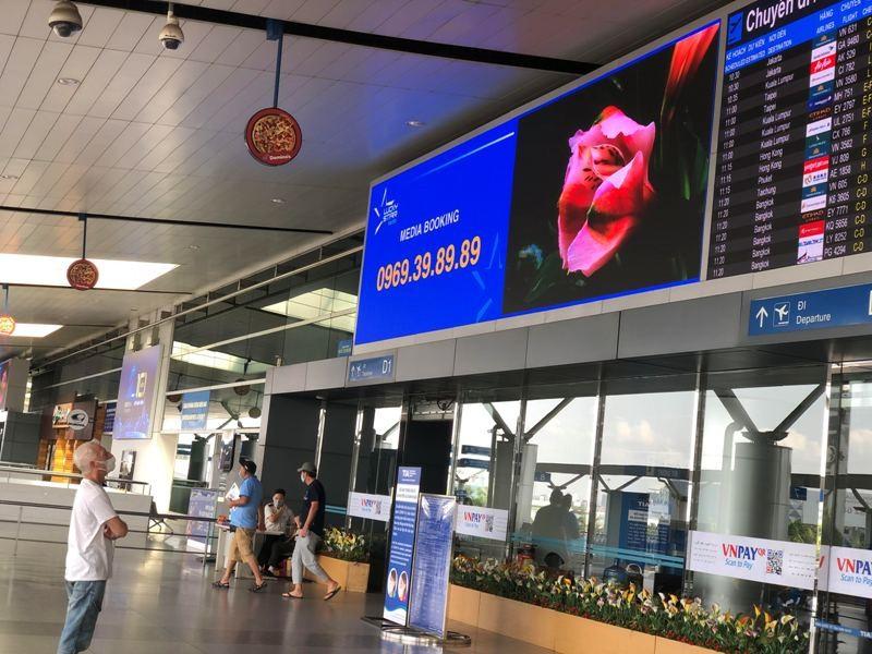 Cận cảnh sân bay phục vụ 38 triệu khách đìu hiu thời COVID-19 - ảnh 3