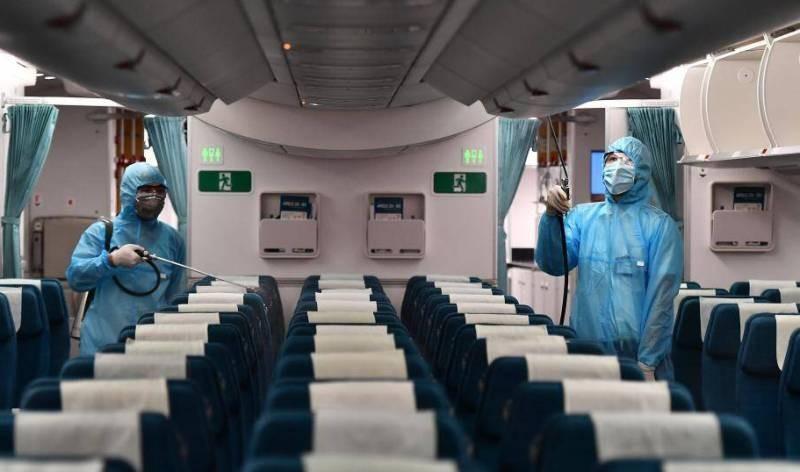 Vietnam Airlines khử trùng toàn bộ đội bay trong một ngày - ảnh 1