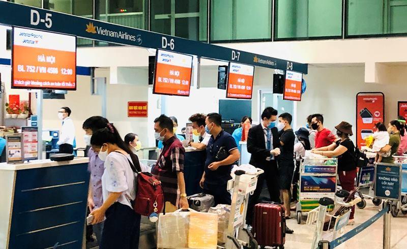 Khách tăng, ACV kiến nghị bỏ giãn cách tại sân bay - ảnh 1