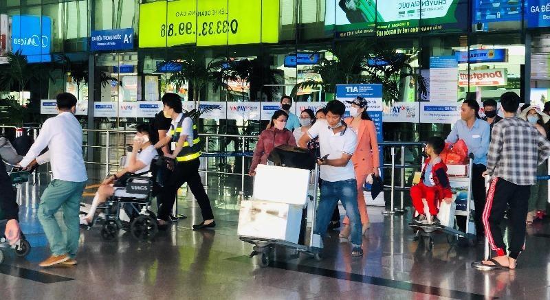 Nhiều hãng lữ hành bắt tay hàng không tung khuyến mãi lớn - ảnh 1
