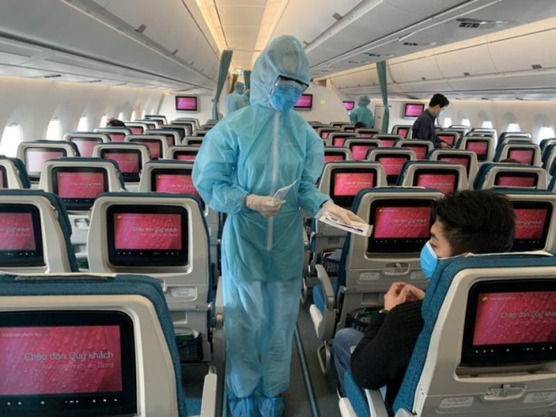 Giám sát chặt tổ bay nhập cảnh để ngăn ngừa lây dịch bệnh - ảnh 1