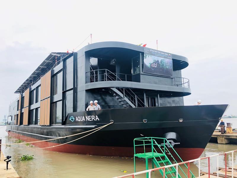 Tàu 5 sao đóng tại Việt Nam gia nhập du lịch sông Amazon - ảnh 1