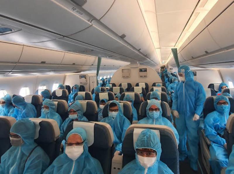 2 chuyến bay đưa 530 khách rời Đà Nẵng  - ảnh 2