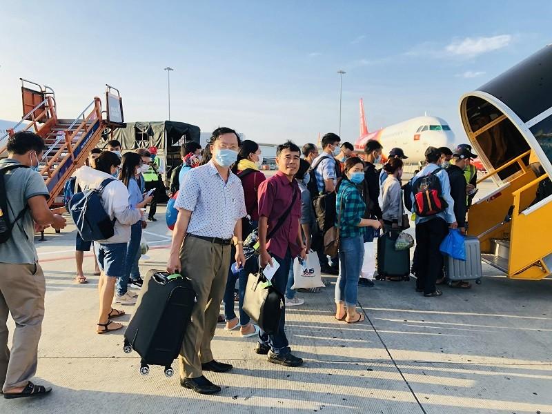 Hàng không bổ sung 400.000 vé máy bay dịp tết - ảnh 1