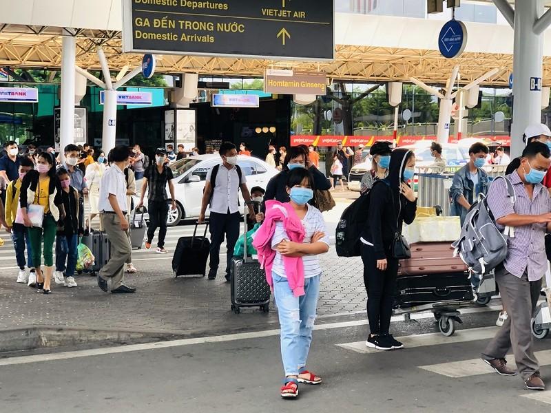 1,5 triệu khách đi lại bằng đường hàng không dịp lễ 30-4 - ảnh 1