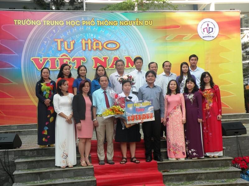 Vinh danh HS đạt giải á quân cuộc thi 'Tự hào Việt Nam' - ảnh 1