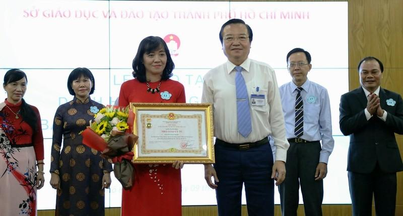 TP.HCM: Trao tặng danh hiệu nhà giáo ưu tú - ảnh 1