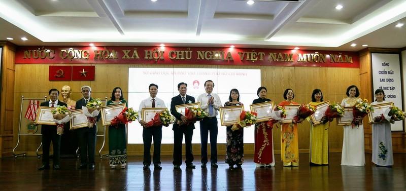 TP.HCM: Trao tặng danh hiệu nhà giáo ưu tú - ảnh 2