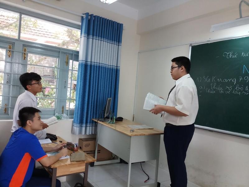 Học sinh hào hứng với 'Một ngày làm giáo viên' - ảnh 3