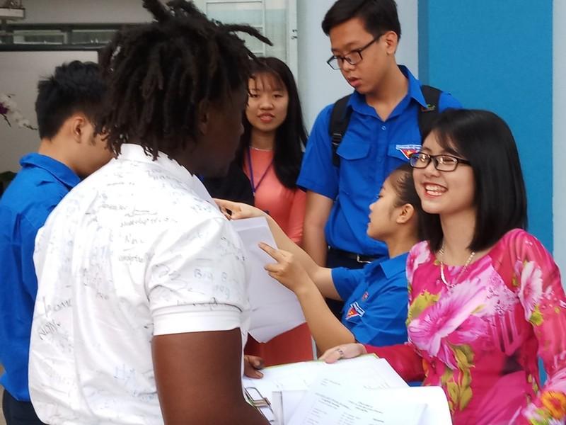 Học sinh hào hứng với 'Một ngày làm giáo viên' - ảnh 6