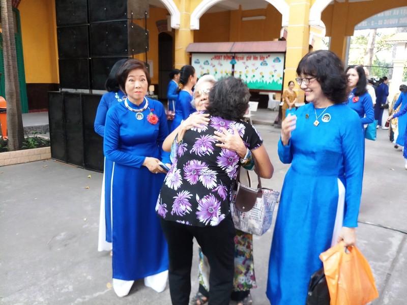 Nữ sinh Trưng Vương vui mừng ngày hội ngộ - ảnh 5
