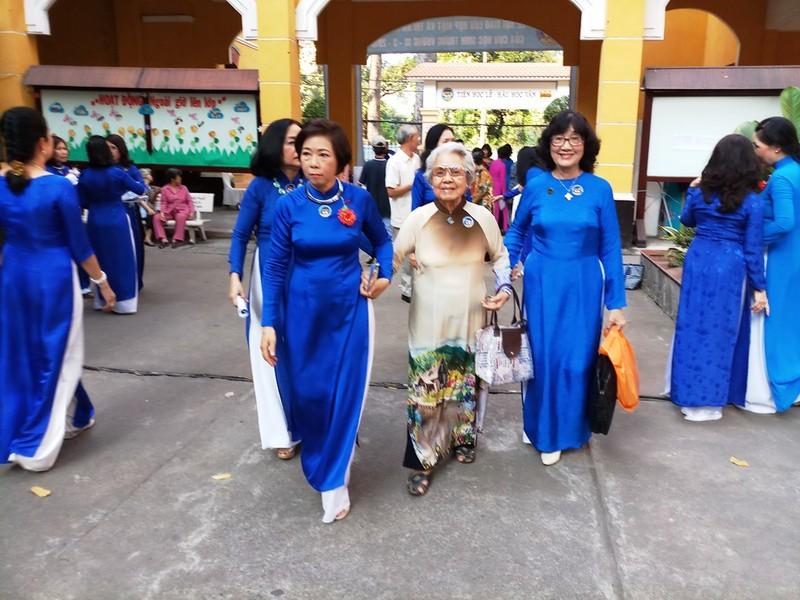 Nữ sinh Trưng Vương vui mừng ngày hội ngộ - ảnh 4