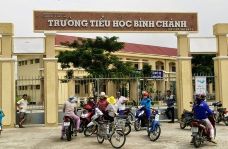 Cô giáo quỳ: Chính thức khai trừ Đảng ông Võ Hòa Thuận  - ảnh 1