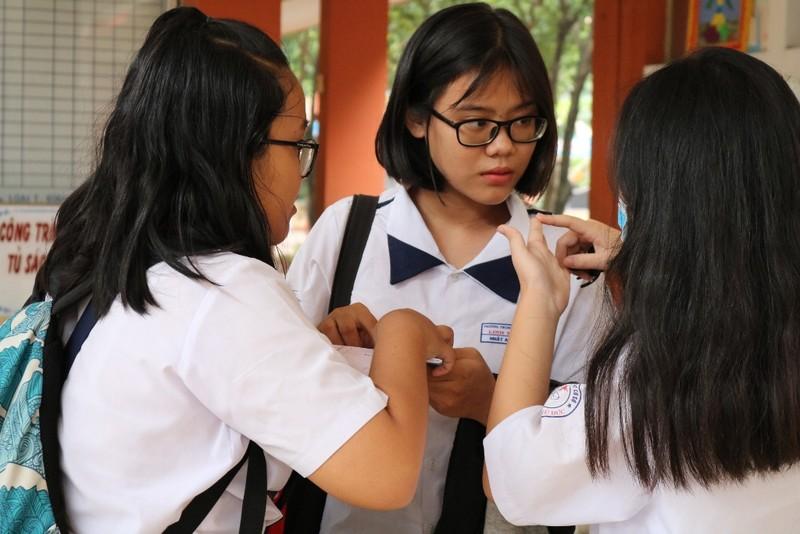 Đề thi tiếng Anh 10: Học sinh than khó - ảnh 1