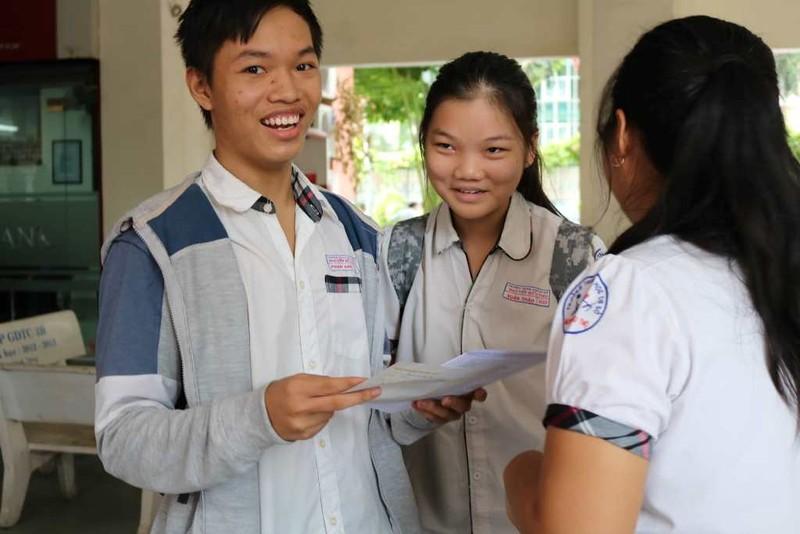 Thí sinh thở phào với đề tiếng Anh vào Trung học Thực hành - ảnh 1