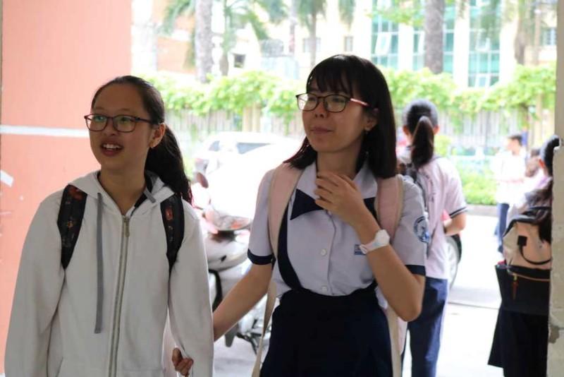 Thí sinh thở phào với đề tiếng Anh vào Trung học Thực hành - ảnh 6