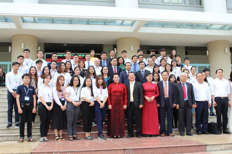 Chủ tịch Quốc hội Nguyễn Thị Kim Ngân nói về tự chủ đại học - ảnh 2