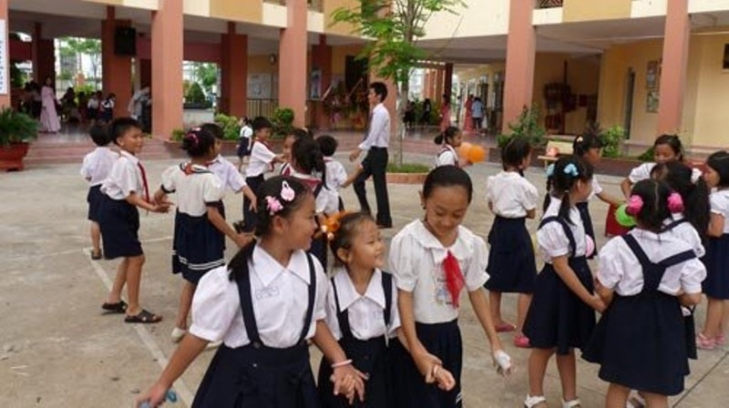 Trường học đạt chuẩn quốc gia lo phá chuẩn - ảnh 1