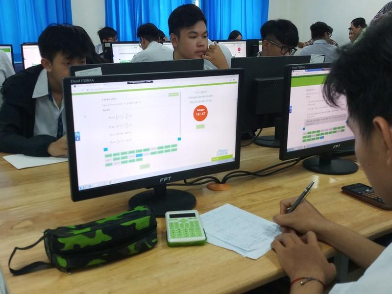 Học trò thích thú làm bài thi trực tuyến - ảnh 3