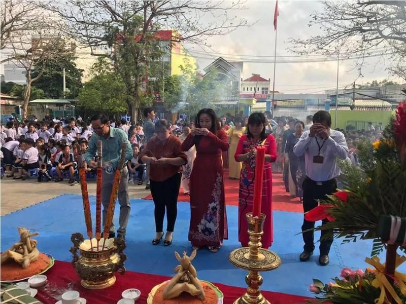 Nhiều trường học tổ chức trang trọng lễ Giỗ tổ Hùng Vương  - ảnh 4