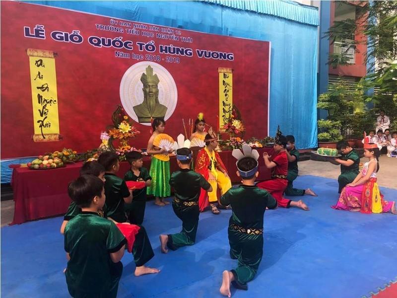 Nhiều trường học tổ chức trang trọng lễ Giỗ tổ Hùng Vương  - ảnh 3