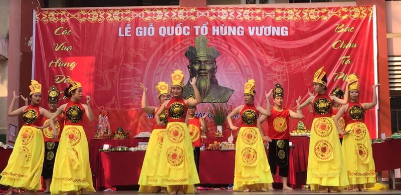 Nhiều trường học tổ chức trang trọng lễ Giỗ tổ Hùng Vương  - ảnh 10