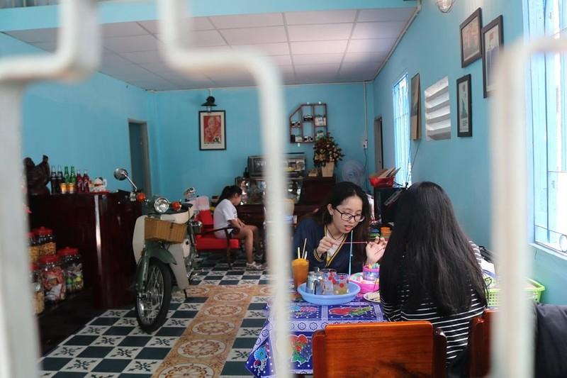 Đến quán 'Mưa rào' Sài Gòn viết thư tay gửi người thân - ảnh 8