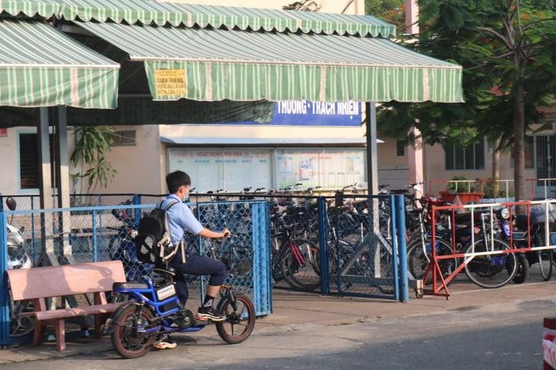 TP.HCM, Hà Nội: Hơn 165.000 HS bắt đầu cuộc đua vào lớp 10 - ảnh 14
