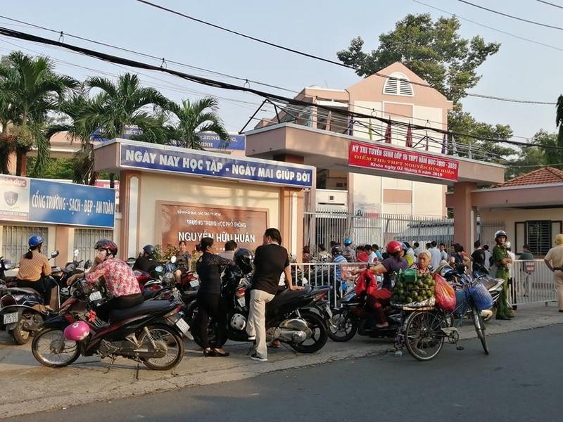 TP.HCM, Hà Nội: Hơn 165.000 HS bắt đầu cuộc đua vào lớp 10 - ảnh 5