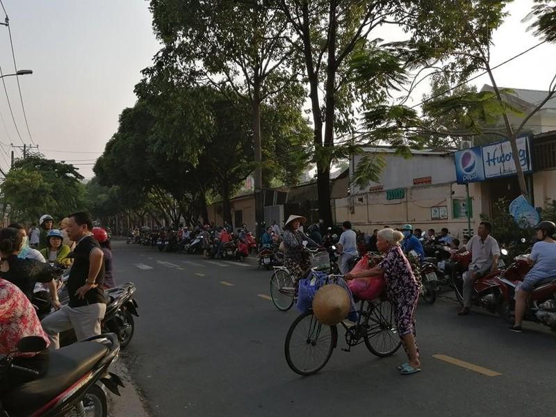 TP.HCM, Hà Nội: Hơn 165.000 HS bắt đầu cuộc đua vào lớp 10 - ảnh 6