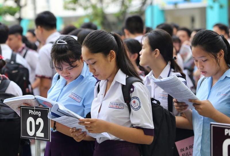 TP.HCM, Hà Nội: Hơn 165.000 HS bắt đầu cuộc đua vào lớp 10 - ảnh 9