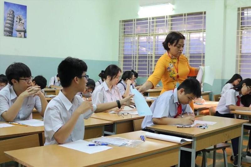 TP.HCM, Hà Nội: Hơn 165.000 HS bắt đầu cuộc đua vào lớp 10 - ảnh 19