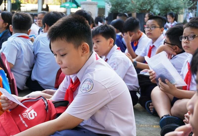 Hơn 4.000 sĩ tử bước vào cuộc đua lớp 6 chuyên Trần Đại Nghĩa - ảnh 3