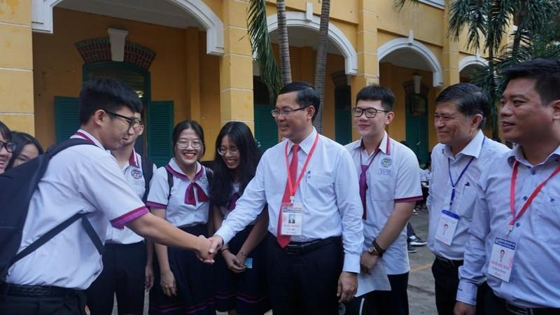 Thứ trưởng Nguyễn Văn Phúc chúc sĩ tử TP. HCM thi tốt - ảnh 1