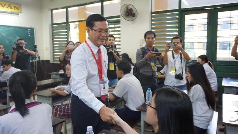 Thứ trưởng Nguyễn Văn Phúc chúc sĩ tử TP. HCM thi tốt - ảnh 7